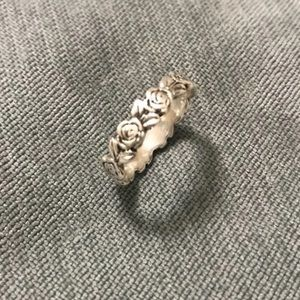 James Avery Discontinued Rose Ring